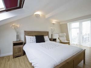 mansard-roof-dormer-in-house-in-barnes-1