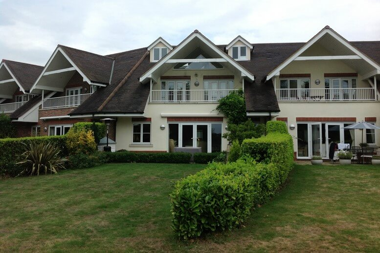 rear-pitched-dormer-rendered-in-a-house-in-surrey